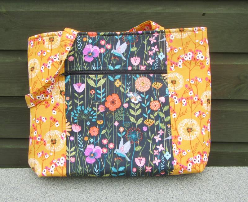 Pelican Tote finished front by Allison Reid